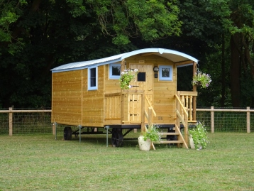 Bluebell Shepherd Hut Accommodation, Near Ellesmere, Shropshire