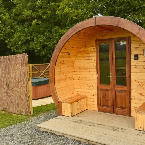 Willow Pod with private hot tub