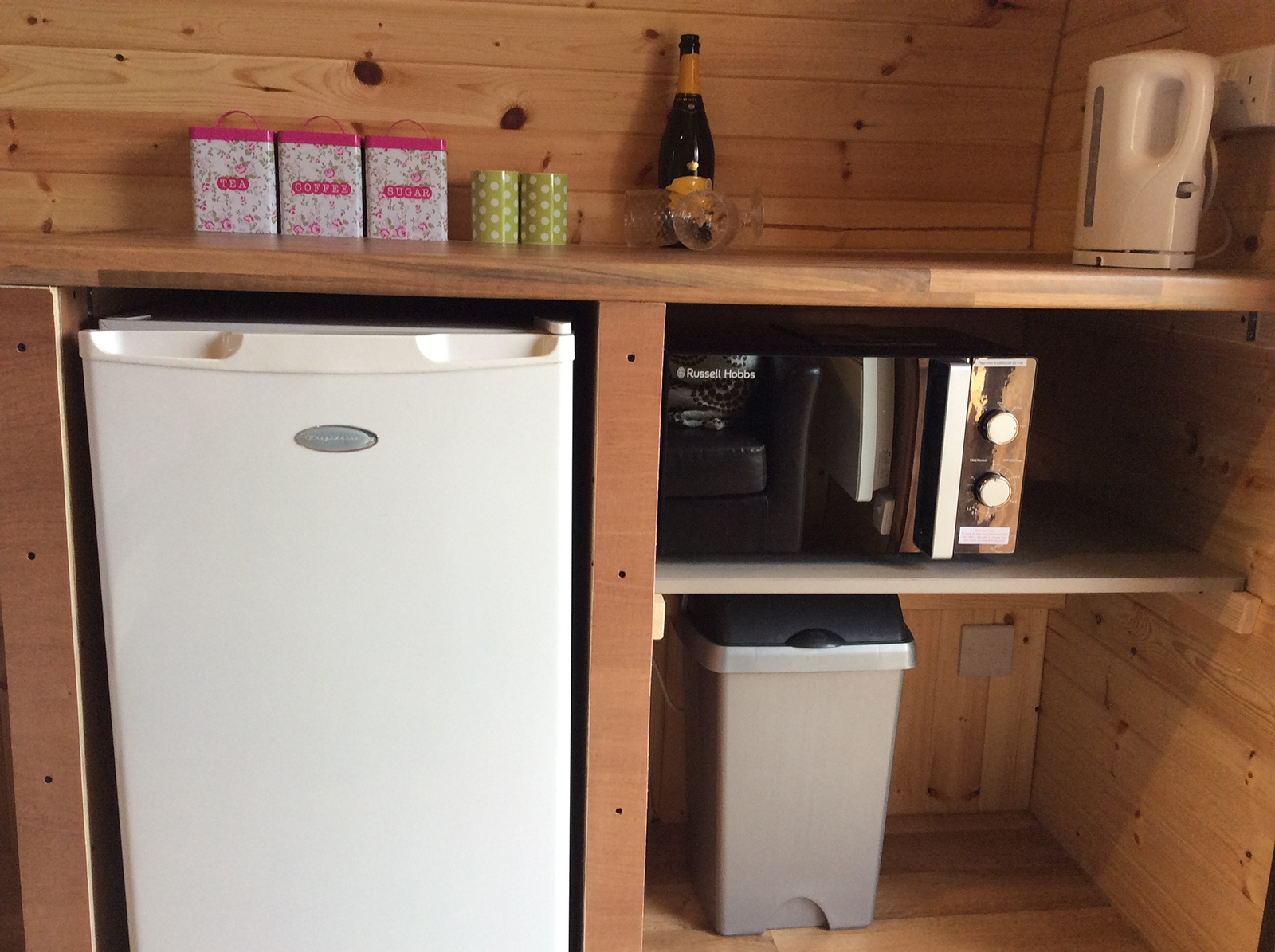Self Catering Facilities in Posh Glamping Pod Near Ellesmere in Shropshire